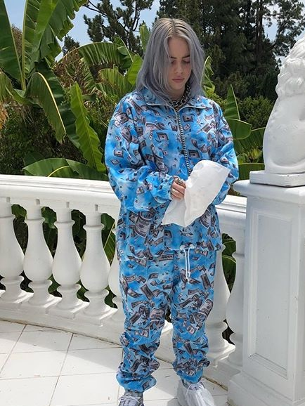 Billie Eilish Age Height Weight Body Measurements - Billie Eilish Biography,Measurements,Age,Height,Weight,Net Worth,Family,Profile,Facts  Copy
